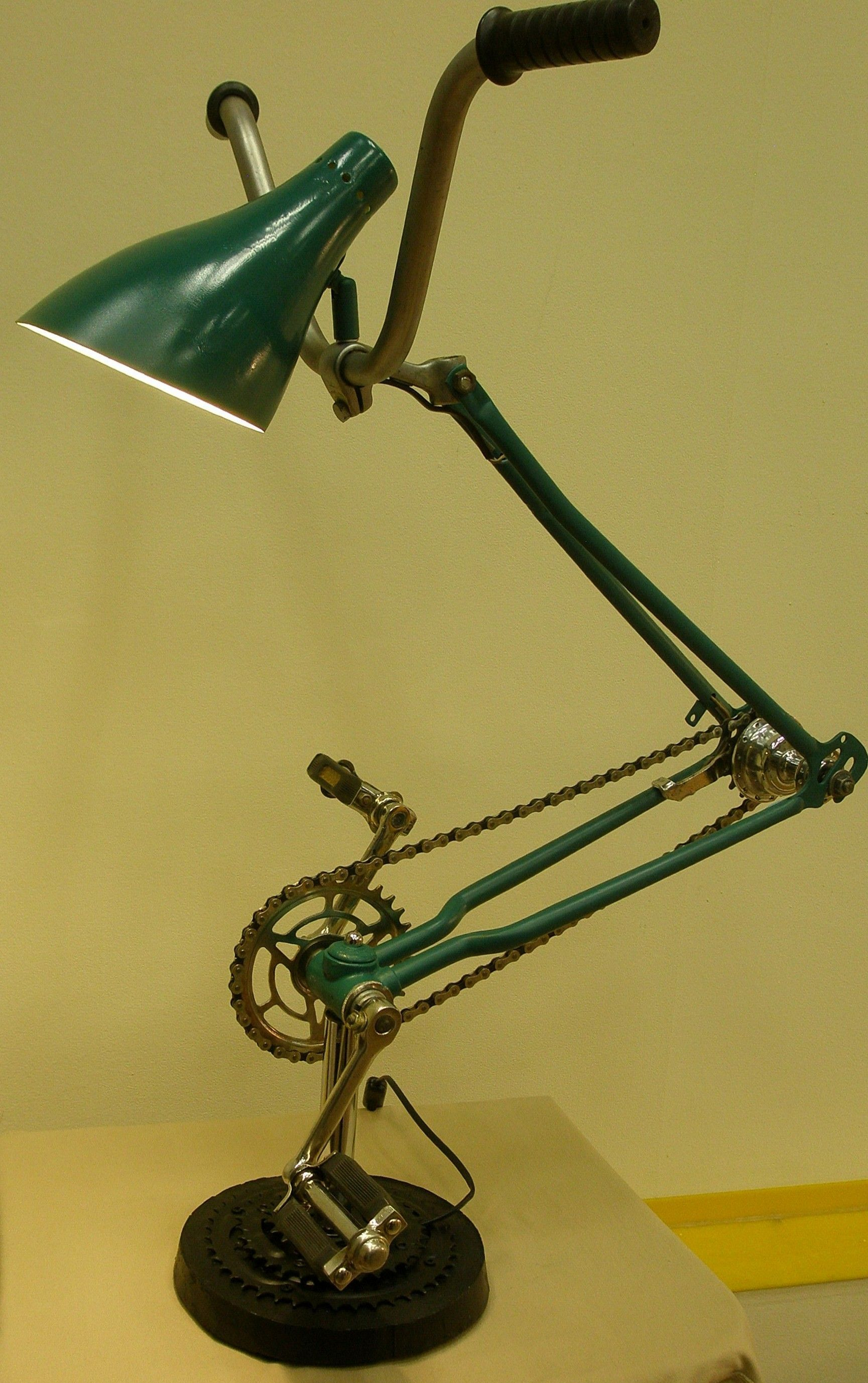 Lamp From A Bicycle Schoolchild Pedals Turn In 2020 Fiets