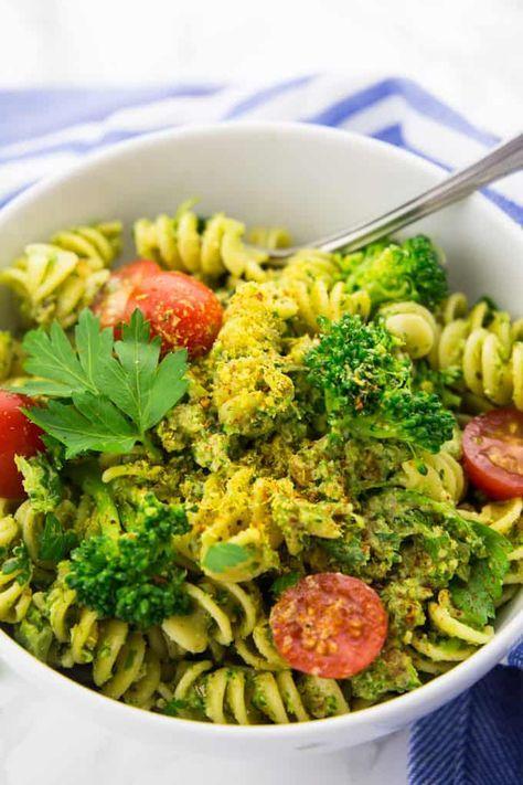 Brokkoli Nudeln (vegan und super einfach!)