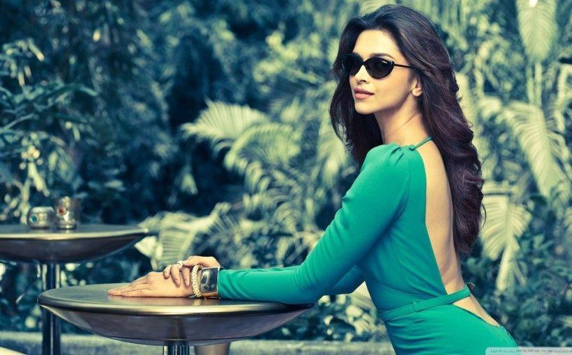 Happy Birthday Deepika Padukone Reigning Queen Of Bollywood Vogue Eyewear Deepika Padukone Indian Celebrities
