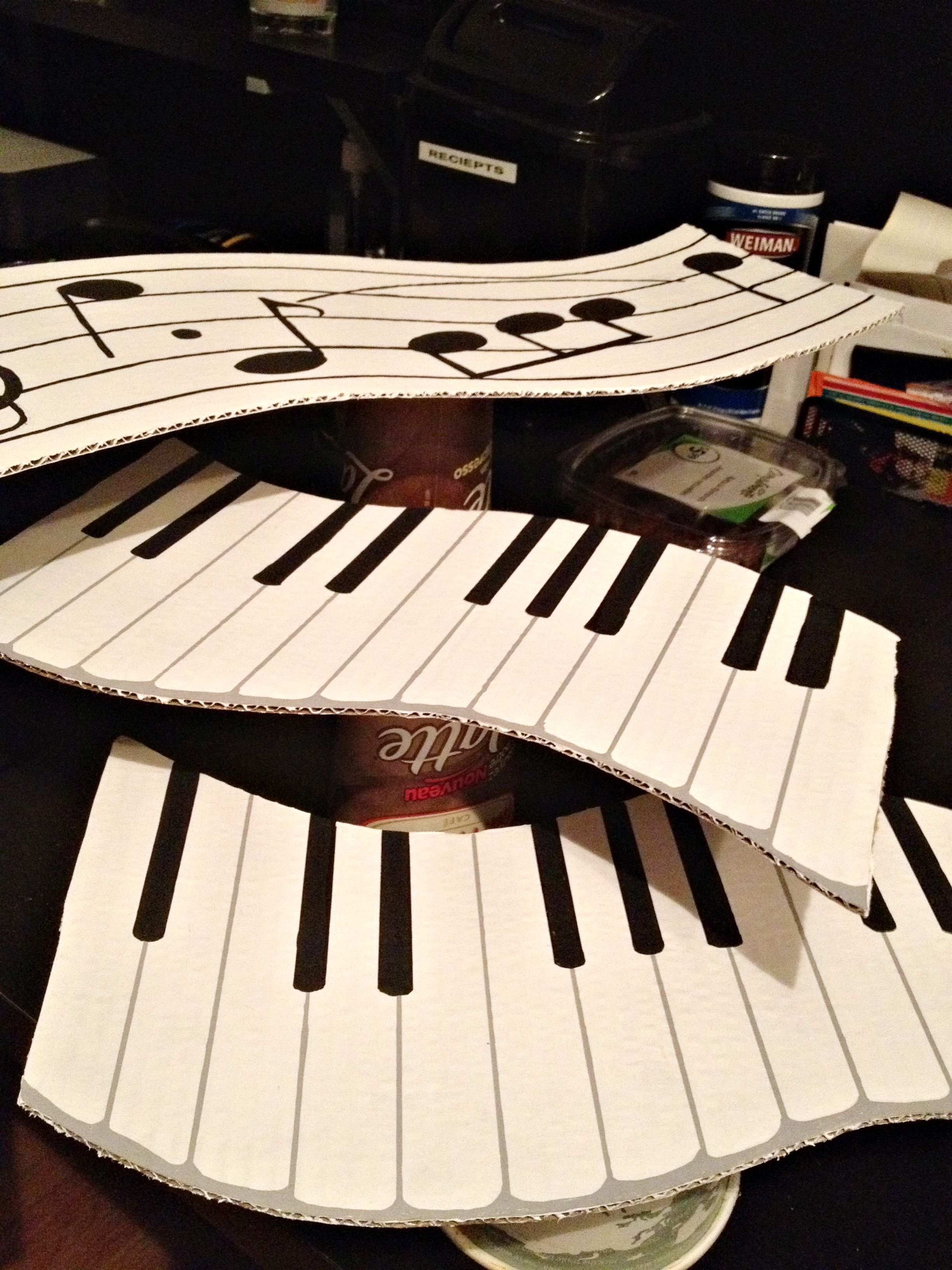 Charming Music Themed Party Decorations Ideas Part - 12: Music Themed Platters Made From Cardboard And Paint. Covered With Seran  Wrap For Temporary Music Themed Party.