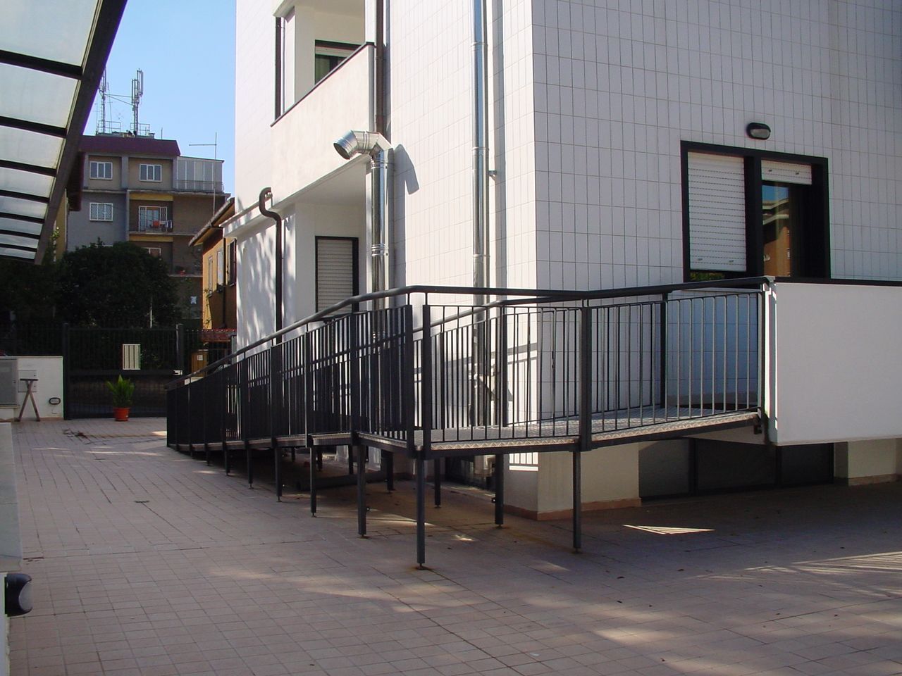 Antibagno disabili ~ Rampa in ferro per disabili recinzioni divisori balconi e