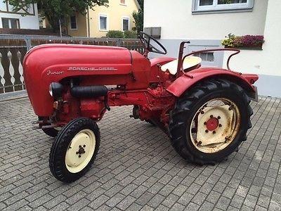Gut erhalten Traktor Porsche Diesel Junior 109 Traktor Porsche Diesel Junior 109 Traktor in einen sehr guten original Zustand. Bj. 1962 . Einer der schönsten der Modellreihe Junior. Nur noch wenig... Mehr gibt es auf http://www.gebrauchtplatz.de/produkt/traktor-porsche-diesel-junior-109/