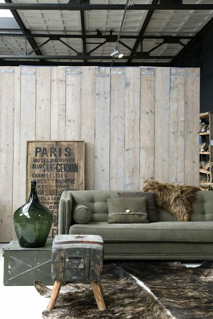 wohnzimmerideen industriell fellteppich cooler hocker akzentwand - offene kuche wohnzimmer ideen