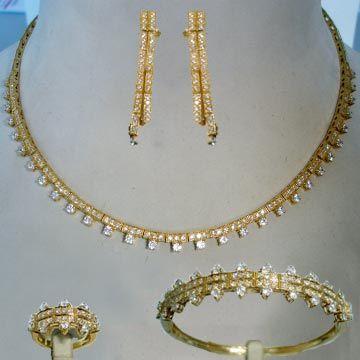 صور اطقم ذهب 2021 مجوهرات 2021 اكسسوارات فخمه Img 1482284079 685 J In 2021 Gold Bracelet Gold Jewelry