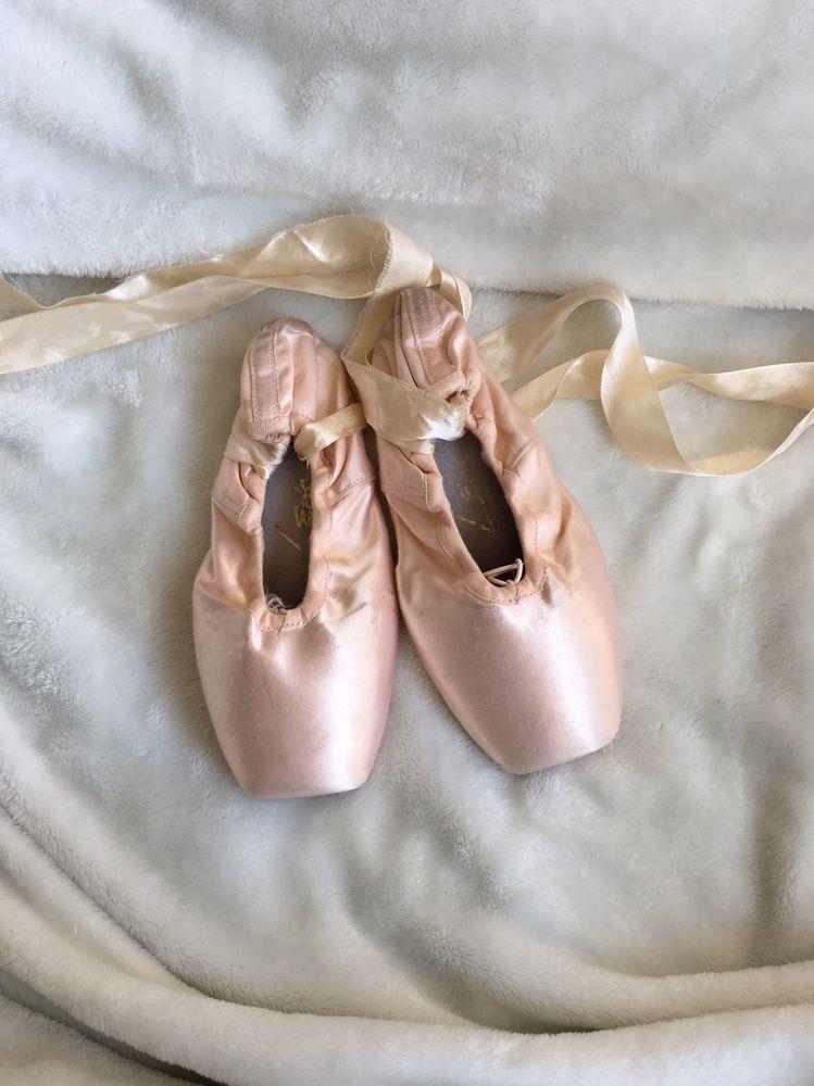 Leo's Womens Point Shoes Sz 9.5 Pink Satin Leather Sole Dance Ballet Beautiful 1 #Leos #Dance