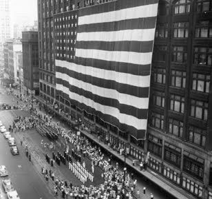 J.L. Hudson's Thanksgiving Day Parade - THE LARGEST FLAG IN THE WORLD....on Downtown Detroits, J.L. HUDSON!