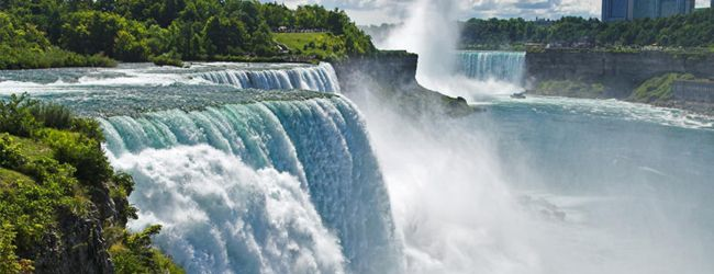Niagara Falls The Falls Which Straddle The U S Canadian Border Have Been A Tourist Mecca Since The Mid 19t Niagara Falls New York Niagara Falls Waterfall
