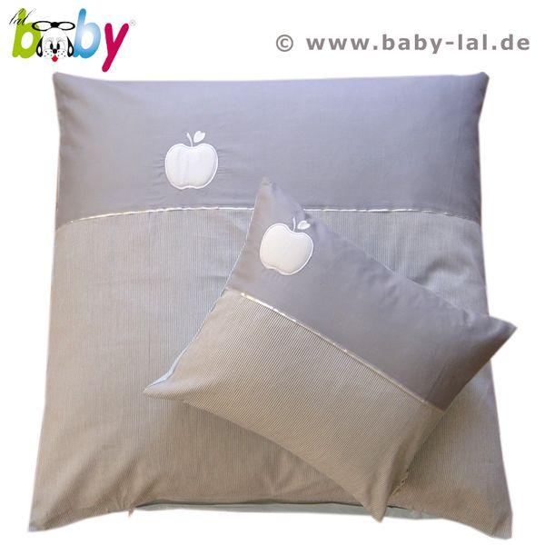 *Hübsche, einzigartig im Design gestaltete Wendebettwäsche aus edlen Baumwollstoffen. Auf der Decke und Kissen sind je eine aufwändige und wattierte A