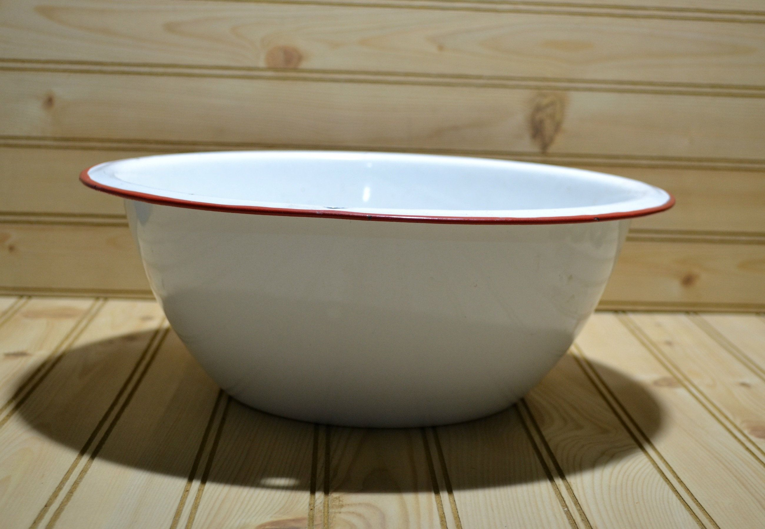 Vintage Enamelware Red White Bowl Basin Farmhouse Primitive Rustic Kitchen Country Collectible Tv Movie Prop By Grann White Bowls Vintage Enamelware Enamelware