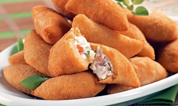 10 receitas de salgadinhos tradicionais para festas - Amando Cozinhar - Receitas, dicas de culinária, decoração e muito mais!