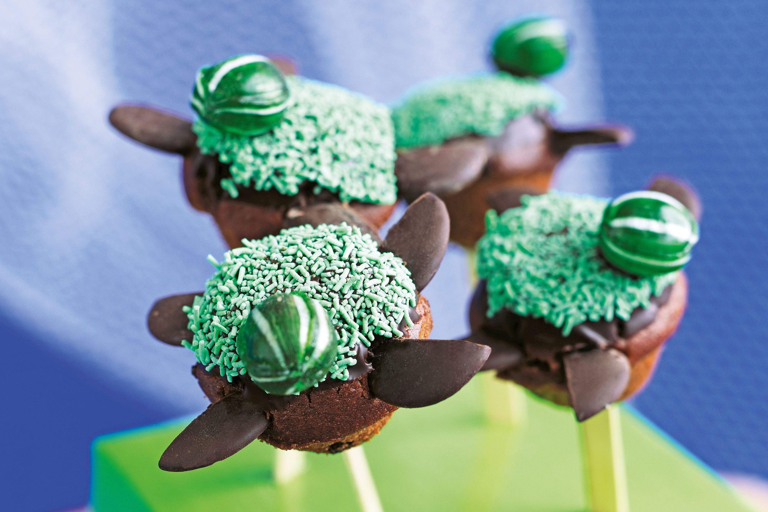 Turtle cake pops #childrenpartyfoods