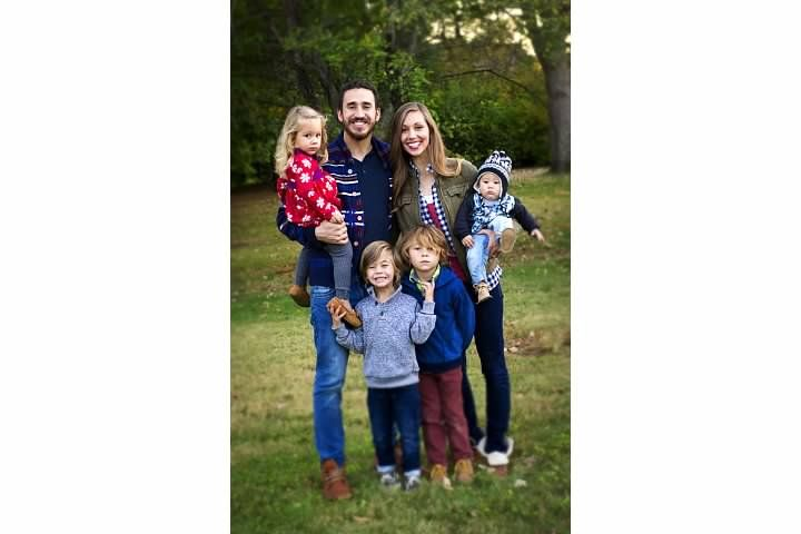 Shea Family Picture by Leigh Ann Smart Photography Saint Louis