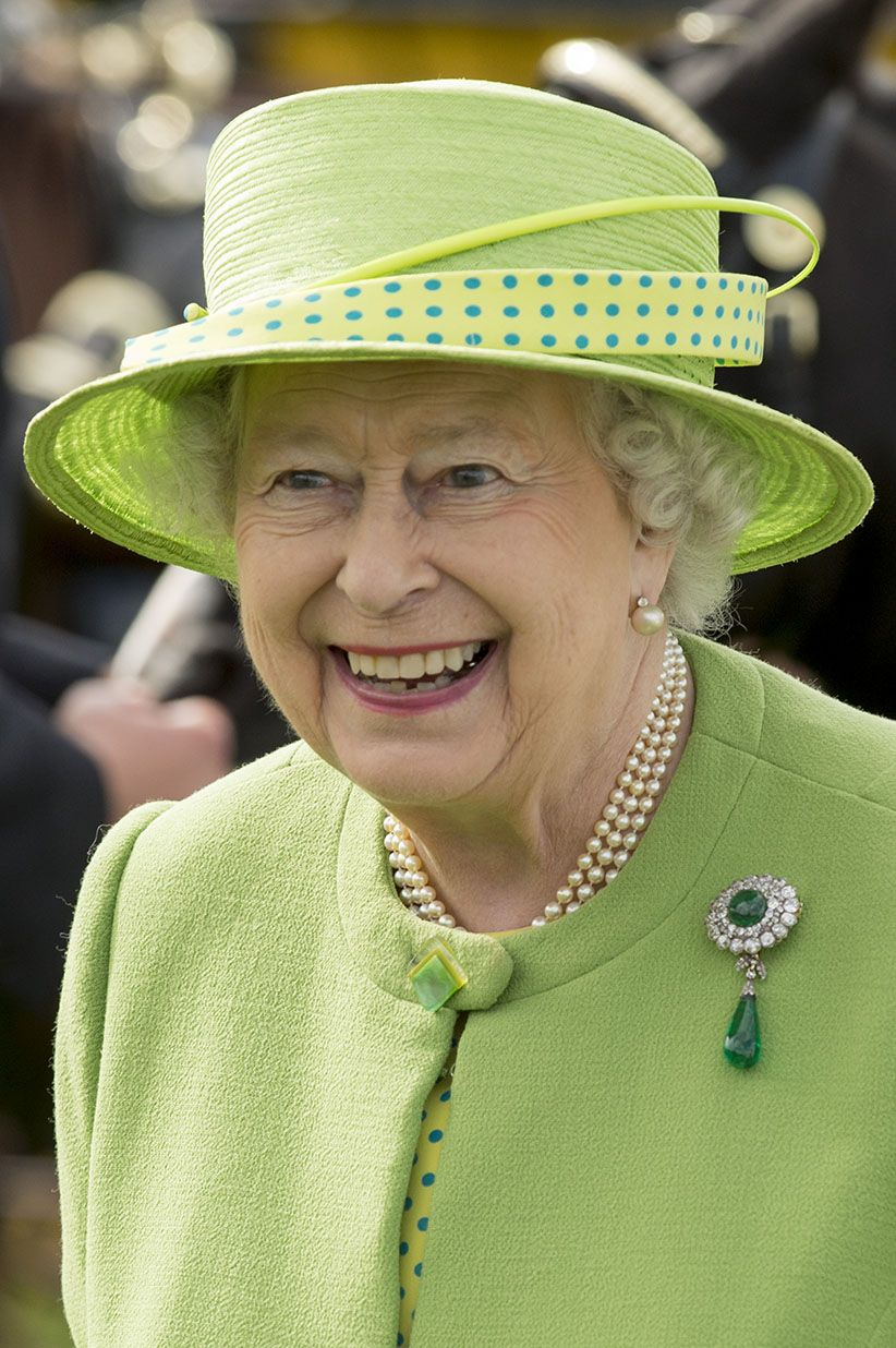 While fashion tastes come and go, there is one person who has long worn brooches whether they are au courant or not: Queen Elizabeth II.