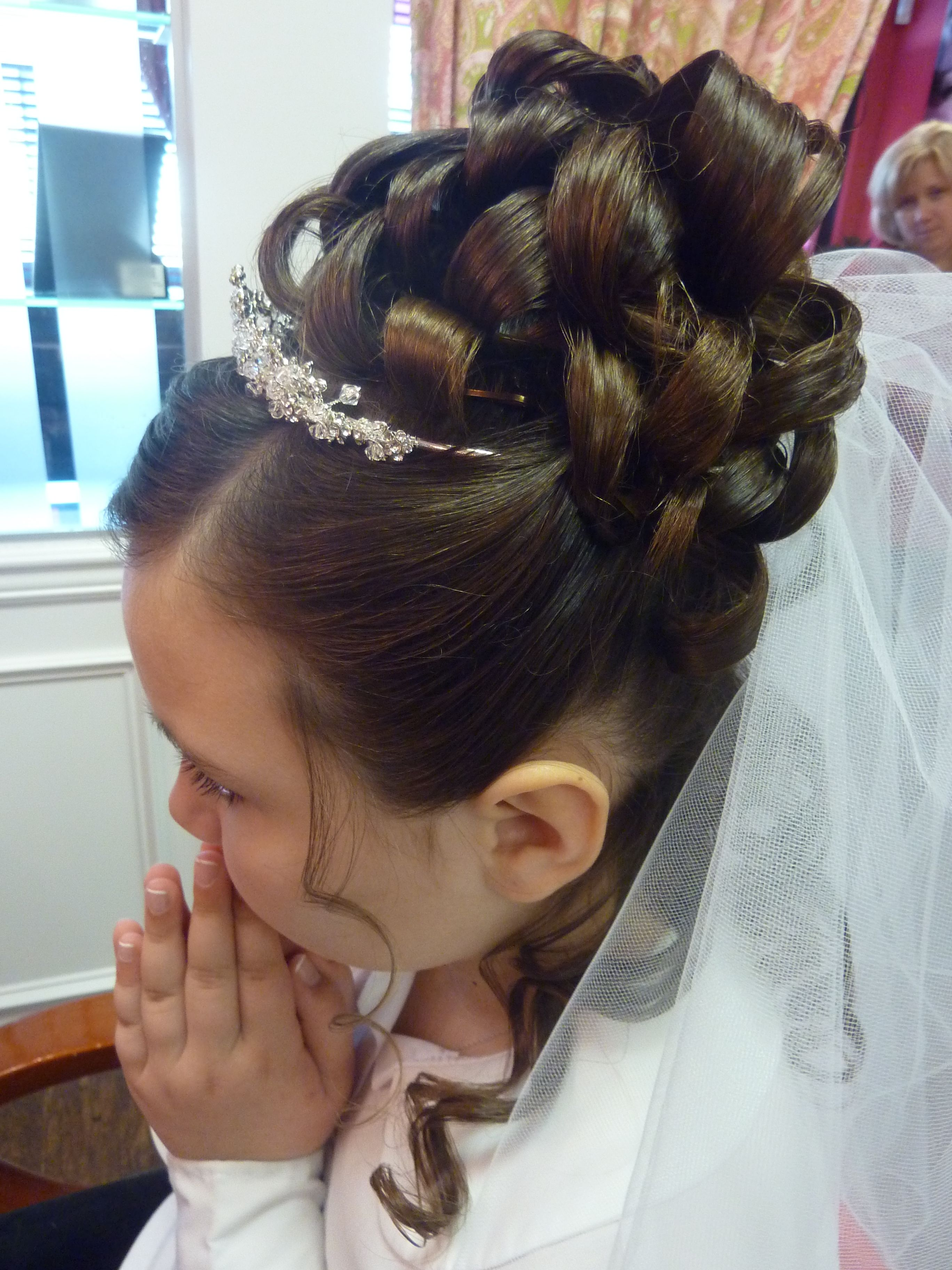 Pin By Seriously Spoiled On Hair Styling First Communion Hairstyles Hair Styles Communion Hairstyles
