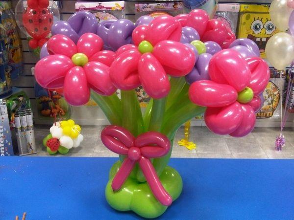 encuentra este pin y muchos ms en globos de brendaherna centro mesa flores