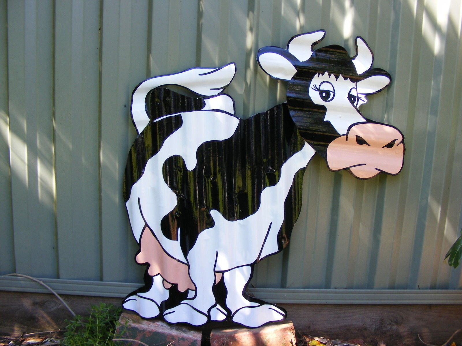 Cartoon Cow Aussie Handpainted Corrugated Garden Ornament