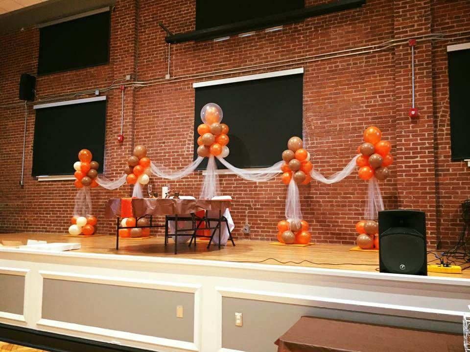 how to do a balloon arch with strip