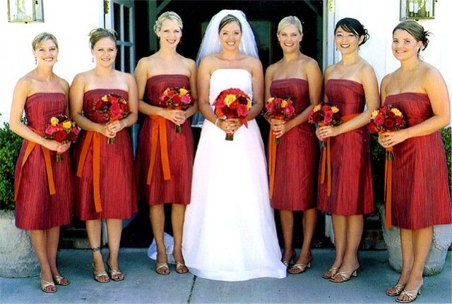 Deep Red Rust Bridesmaid Dresses With Orange Tangerine Bouquet Accents I Like The Contrast Of Light Yellow Flower In Bouquets