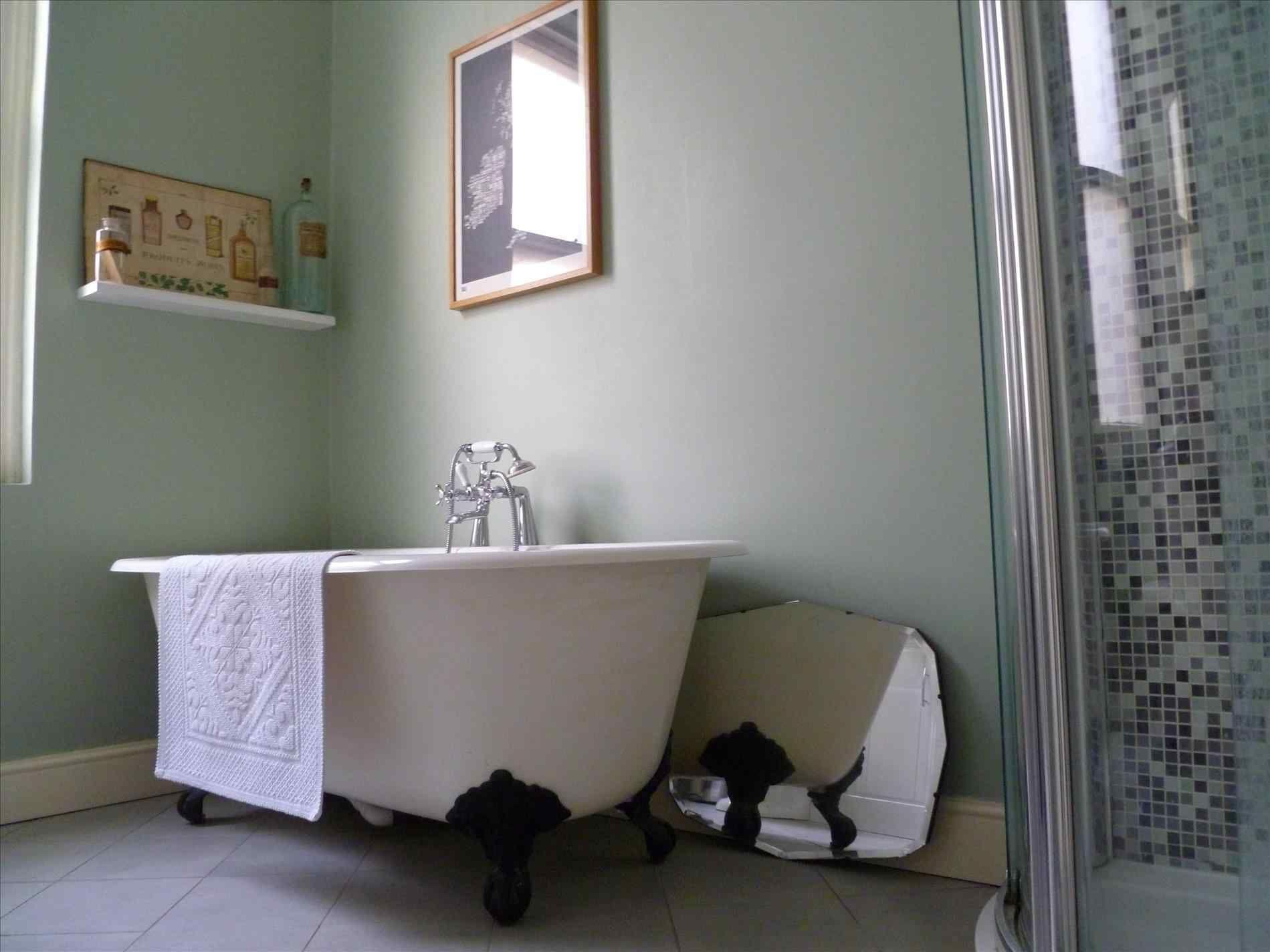 Badezimmer eitelkeiten mit schränken auf der seite awesome  victorian bathroom colors ideas for cozy bathroom