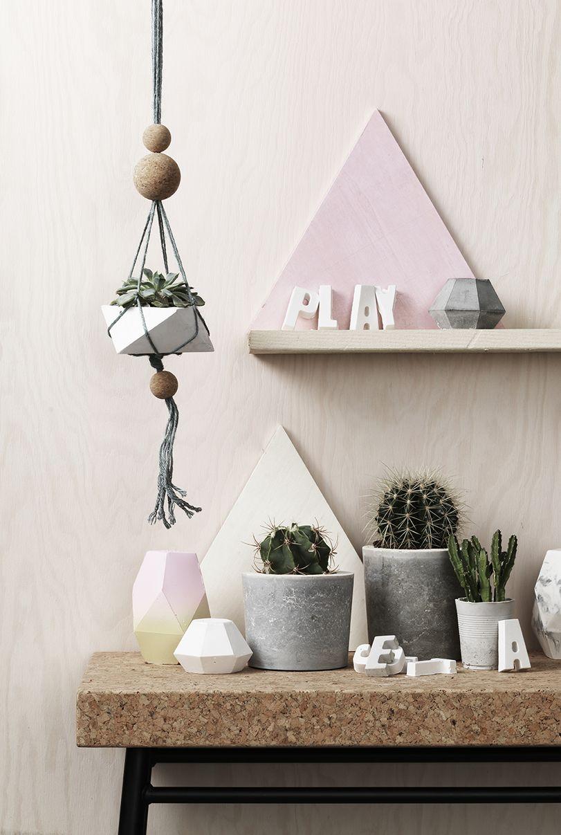 Cast concrete & plaster www.pandurohobby.com Home Decor by Panduro #DIY #concrete #cactus #ampel