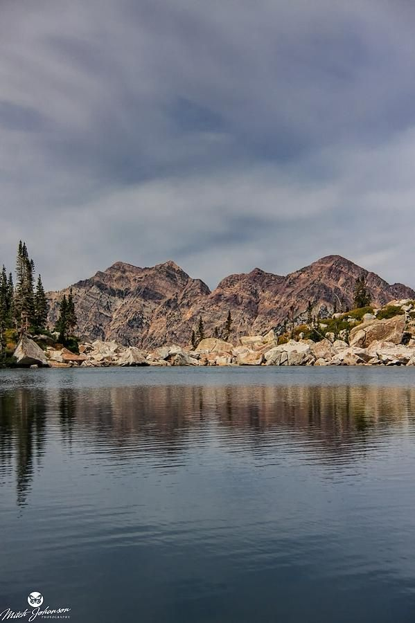 ✮ The Reflection of the Wasatch in the Upper Red Pine Lake - Utah