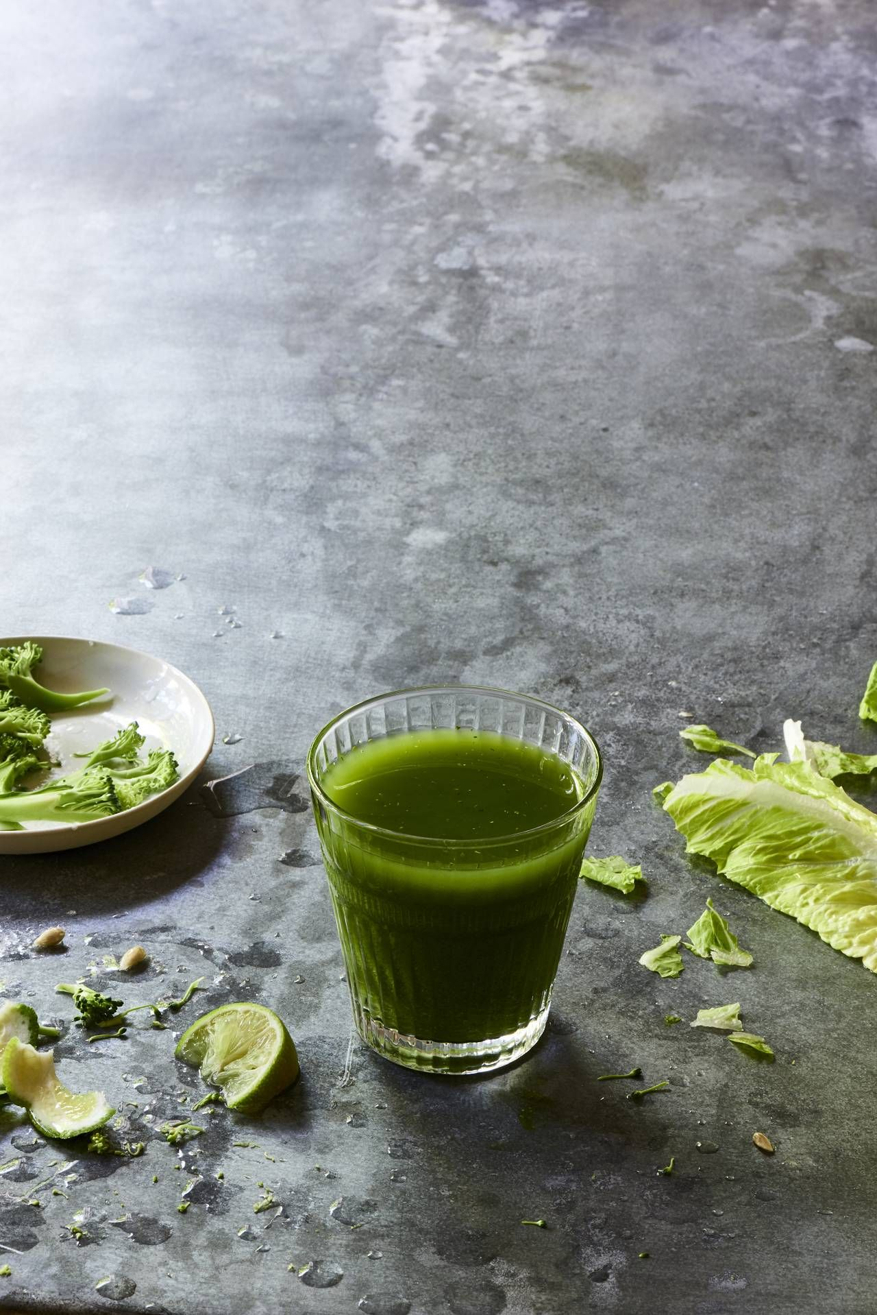 Lime Apple Spinach Romaine Broccoli Juice - The Blender Girl