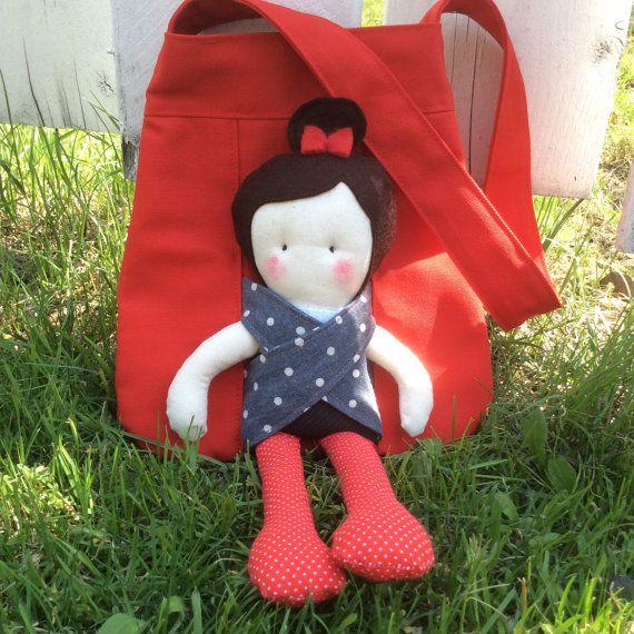 LesSacamies.... Sac de transport avec sa poupée par CreationsCaroli