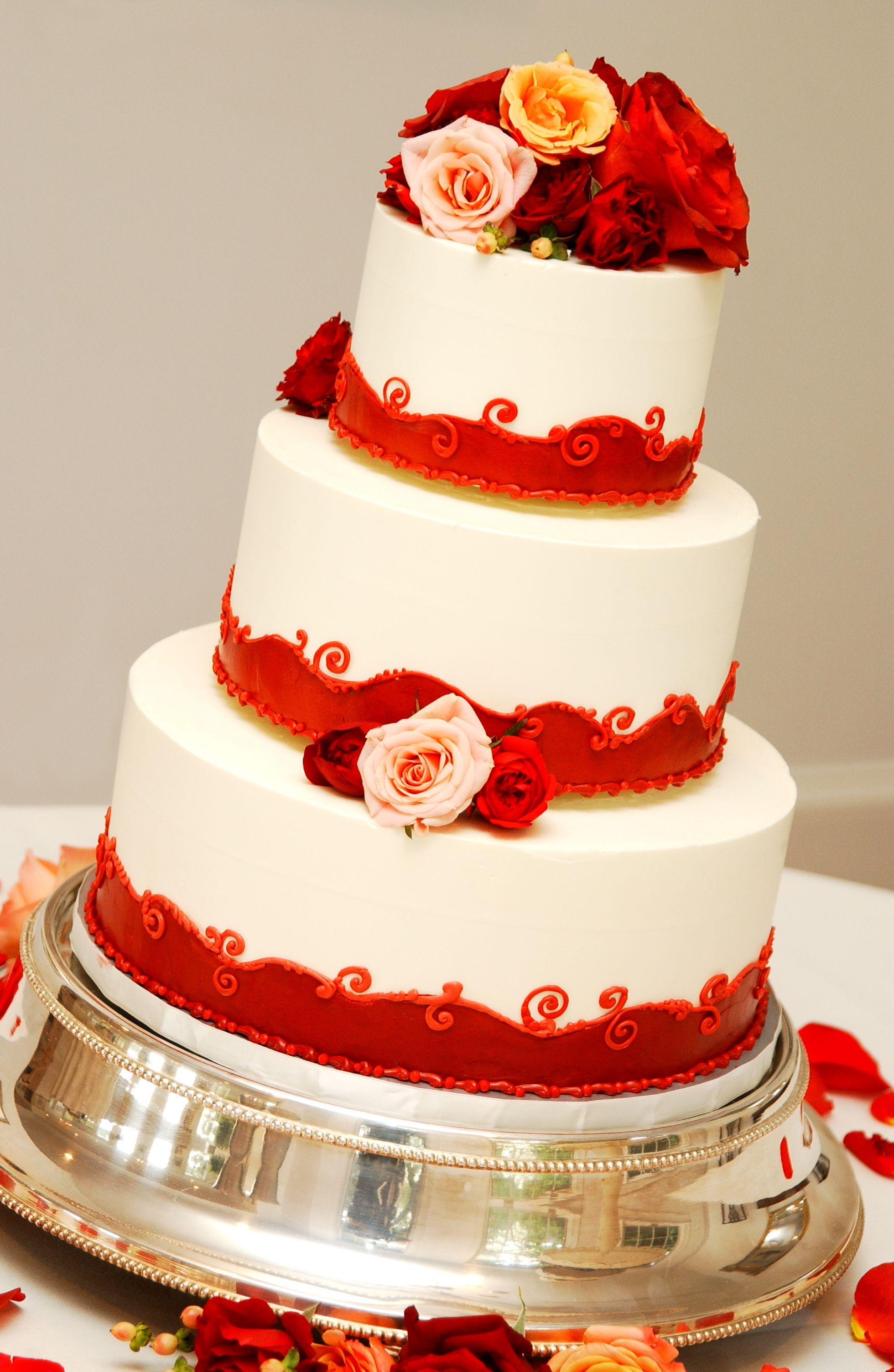 Magpies Bakery Knoxville, TN Custom buttercream wedding ...