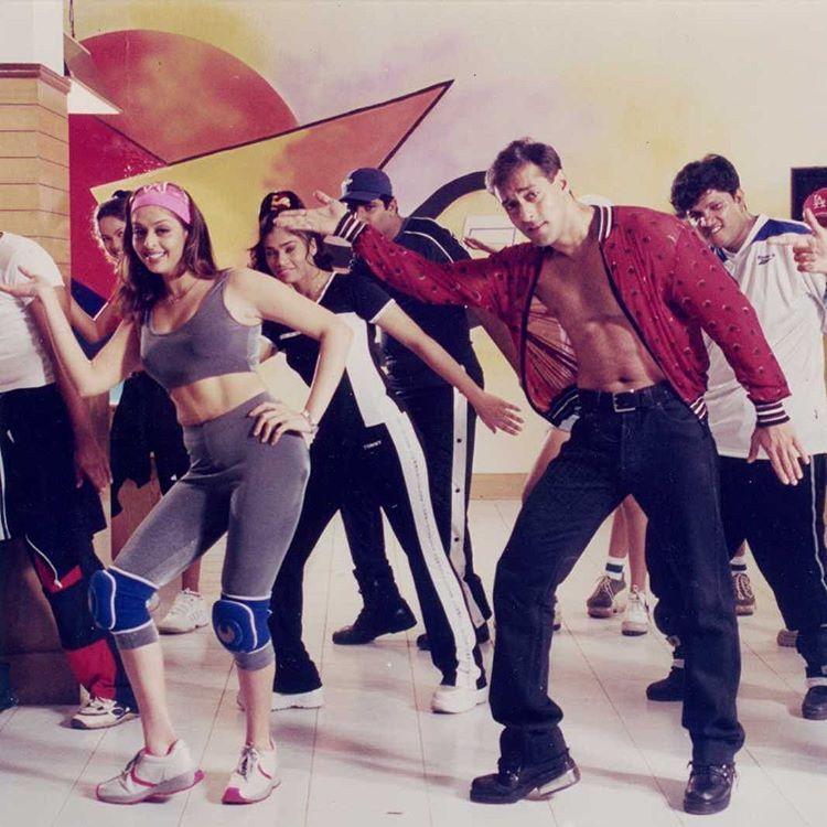 muvyz042917 #BollywoodFlashback #whichmuvyz #guessthemovie