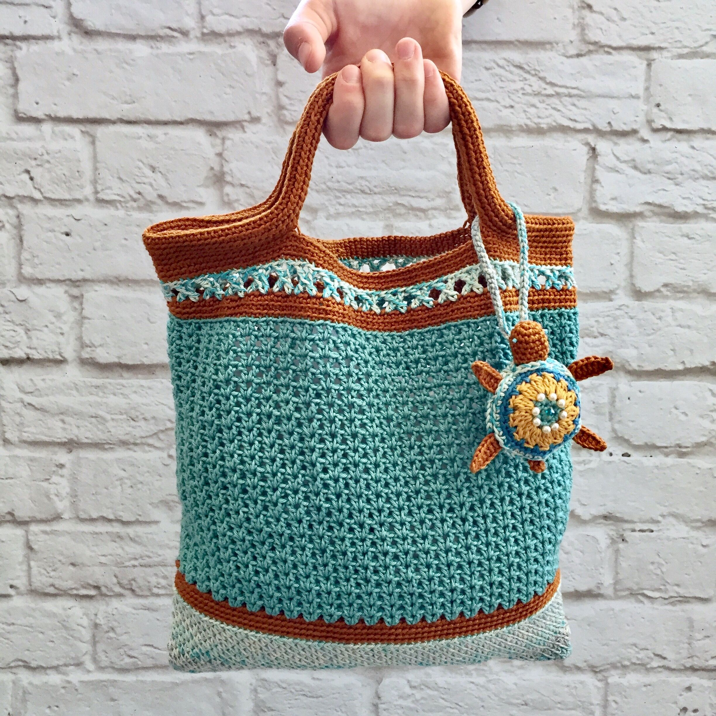Crochet beach bag. Made of cotton yarn | bags | Pinterest ...
