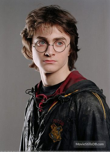 Harry Potter And The Goblet Of Fire Promo Shot Of Daniel Radcliffe Daniel Radcliffe Harry Potter Harry Potter Goblet Harry James Potter
