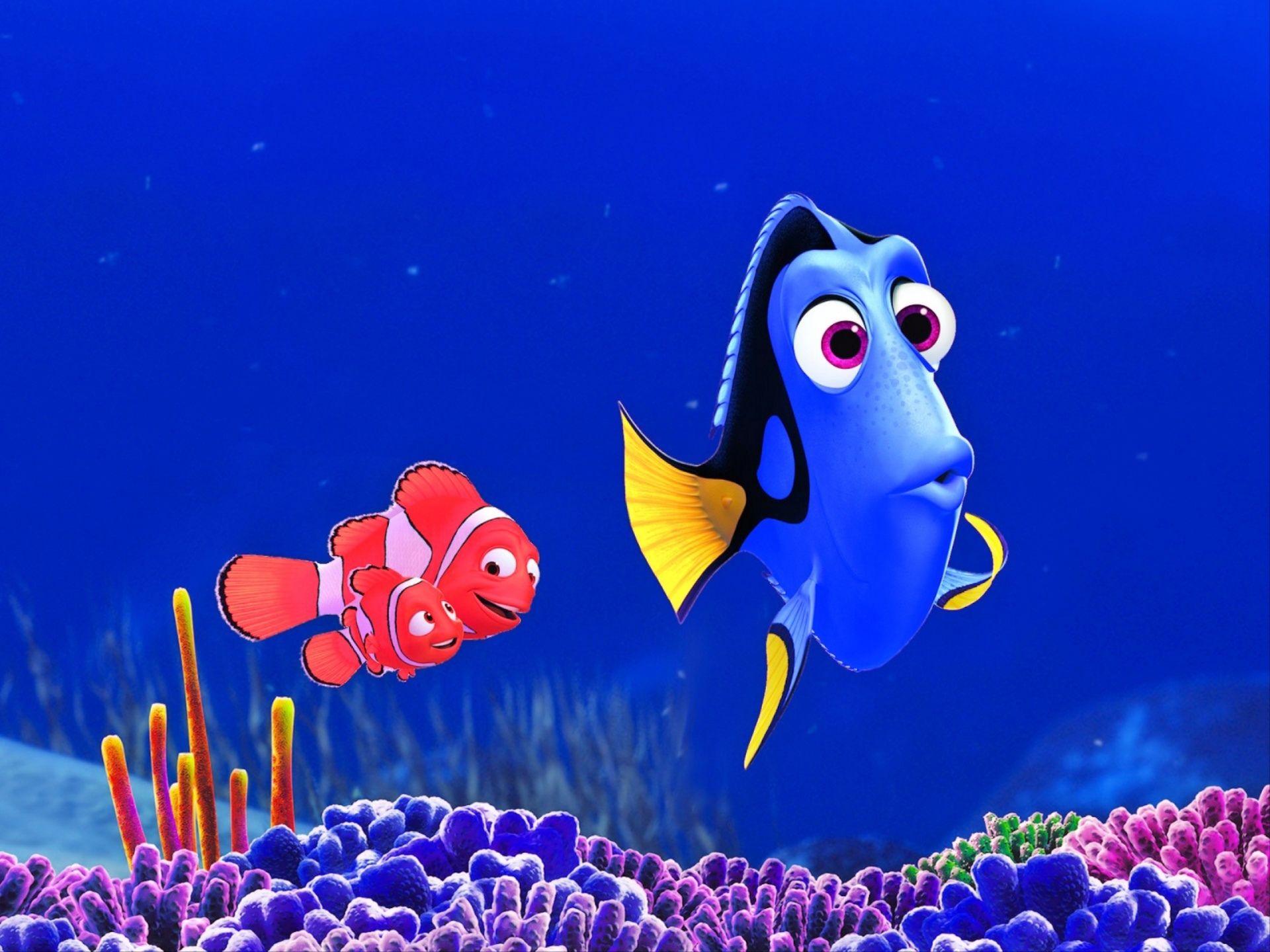 Movie finding nemo nemo finding nemo marlin finding for Immagini dory
