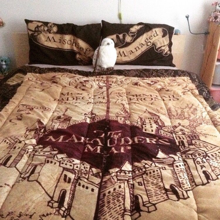 Marauders Map Bedding Marauders Map bedspread   I need this so badly!   Harry Potter  Marauders Map Bedding