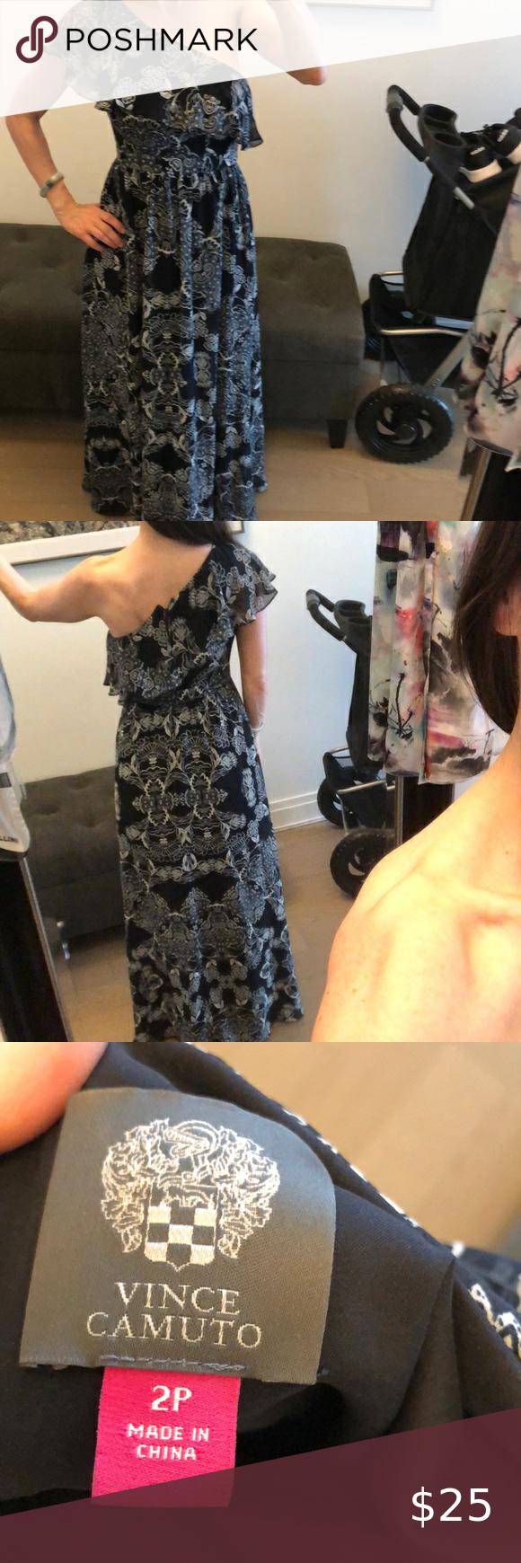 Vince Camuto Maxi Dress Size 2p Navy Blue White Maxi Dress Dresses Shoulder Maxi Dress [ 1740 x 580 Pixel ]