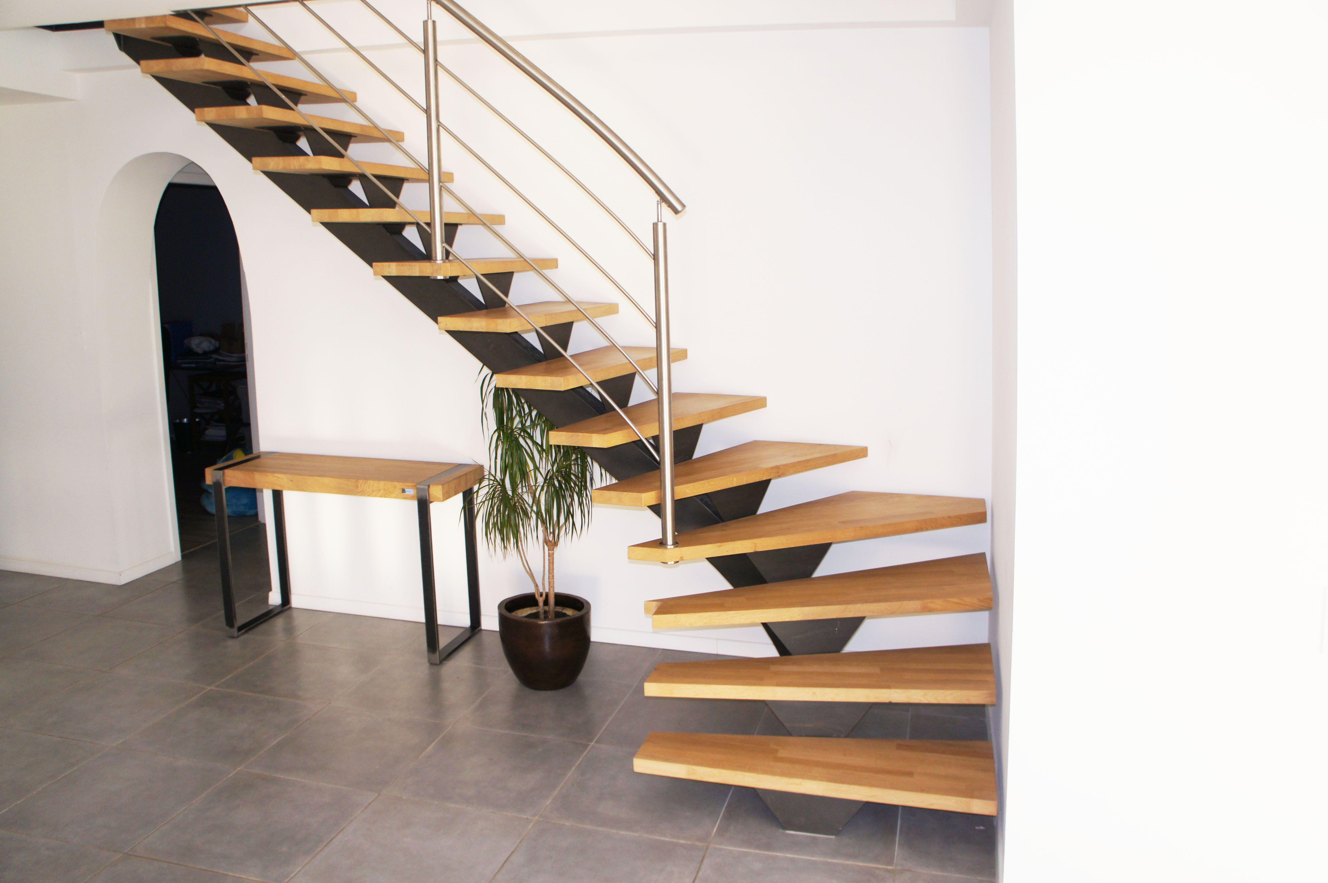 notre escalier vetera vu de face avec son limon central. Black Bedroom Furniture Sets. Home Design Ideas