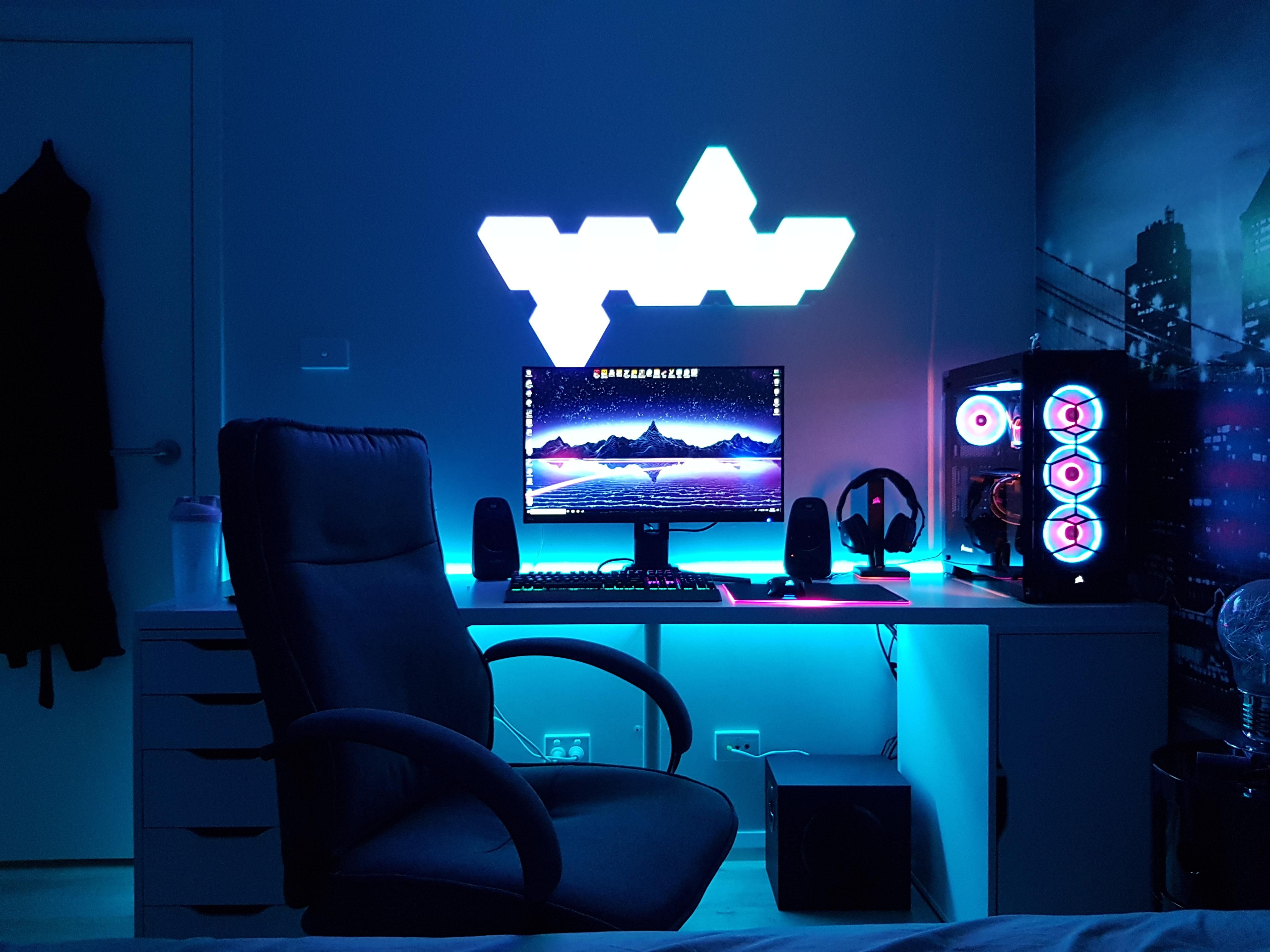 Https Ift Tt 2iwbqui Me Some Of Them Fancy Nanoleafs Video Game Rooms Video Game Room Game Room