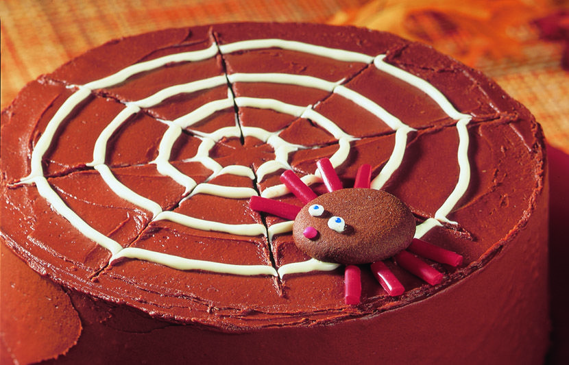 Hersheyu0027s Kitchens | Chocolate Spider Web Cake