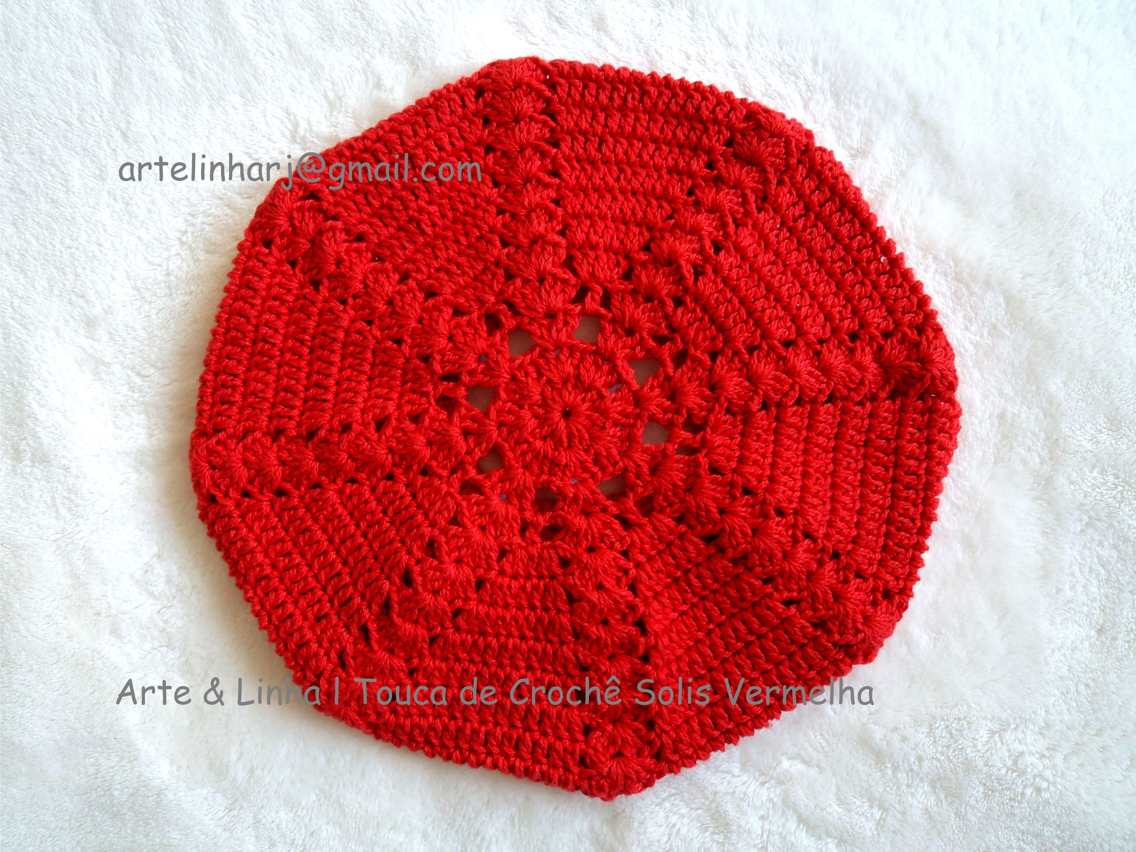 Touca de Crochê Solis Vermelha  Touca de Crochê em 100% algodão.  Feita por encomenda.   Tamanho da Circunferência  2 - 4 anos: 48 a 50 cm.  4 - 10 anos: 50 a 53 cm,  11 - 15 anos: 54 a 56 cm,  acima de 16 anos e adulto: 57 cm   Encomendas personalizadas whatsapp 62 98146.4188 email artelinharj@gmail.com Instagram: @croche_artelinha www.elo7.com.br/crocheartelinha