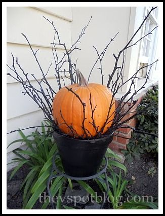 Black twig and pumpkin Halloween porch decor Fall decorations - pinterest halloween yard decor