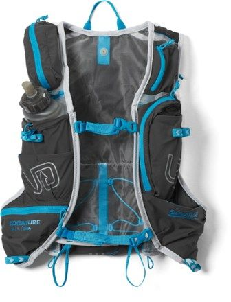More comfortable and weighing less than the previous version  the Ultimate Direction Adventure Vest 5.0 hydration vest features upgraded sliding-rail sternum straps for easy single-handed adjustment.