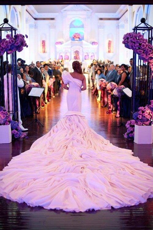 amazing wedding dress train