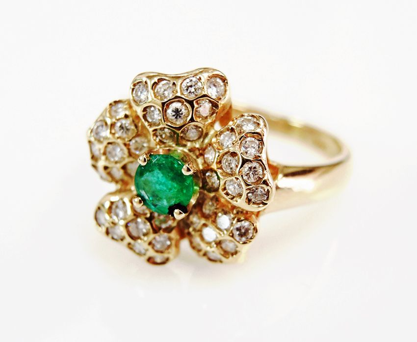 Petals of perfection. #emerald #floral #pretty