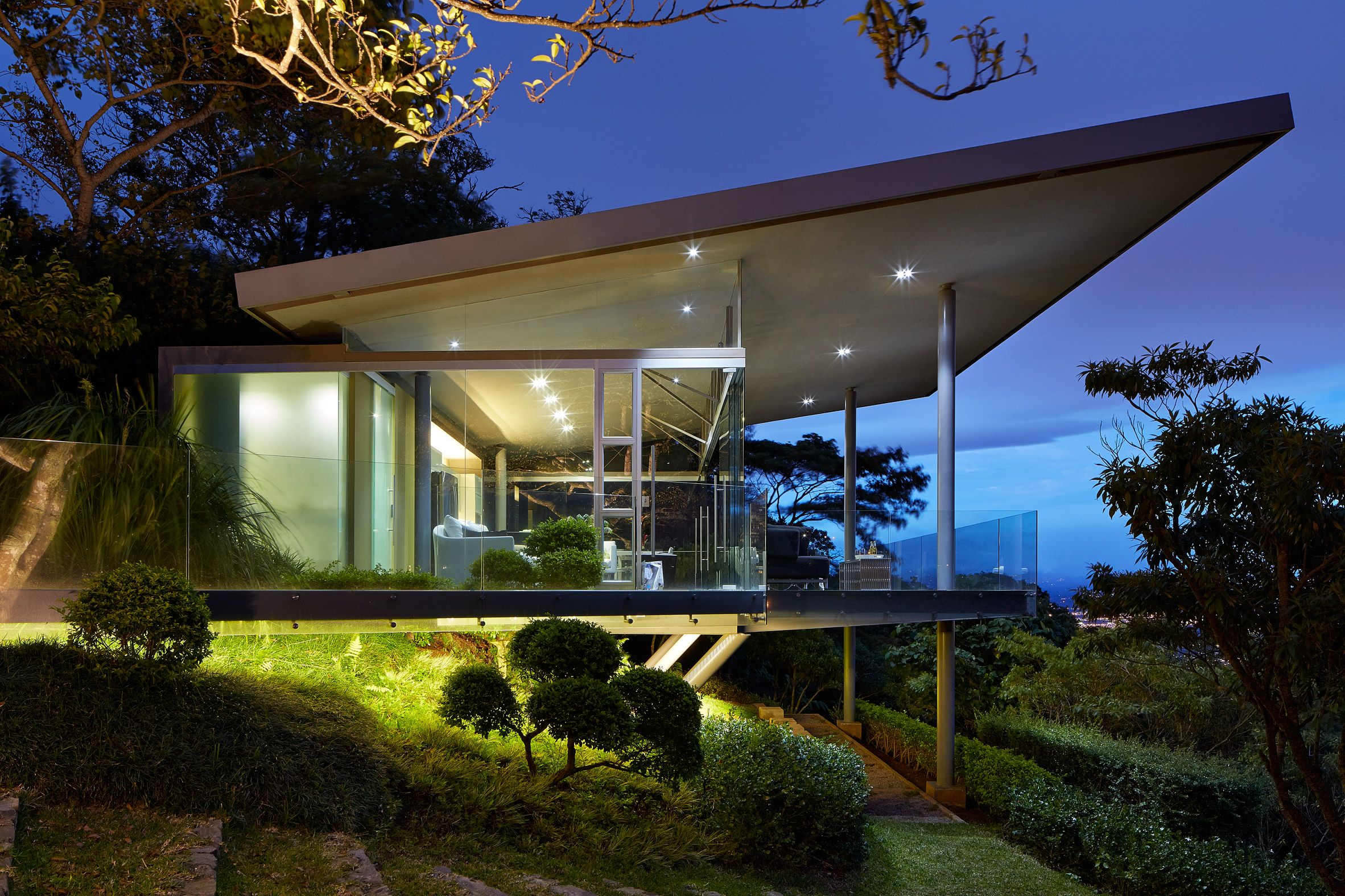 Estancia Y Ficus By Canas Arquitectos Architecture Glass House