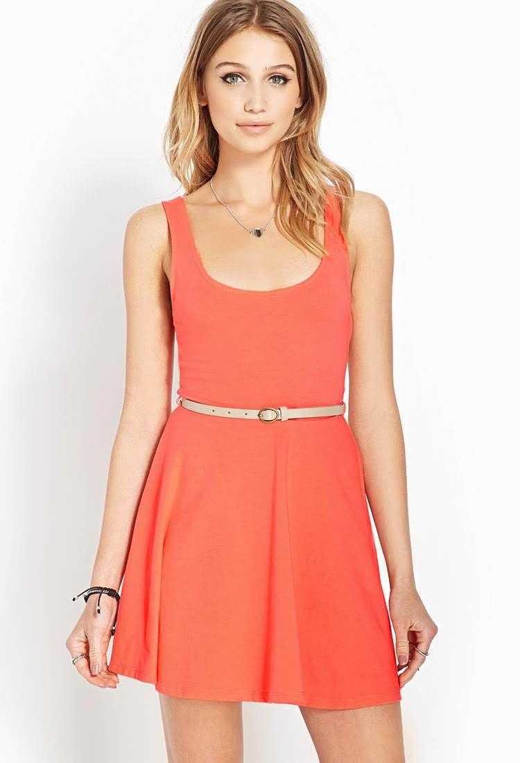 un vestido casual y femenino
