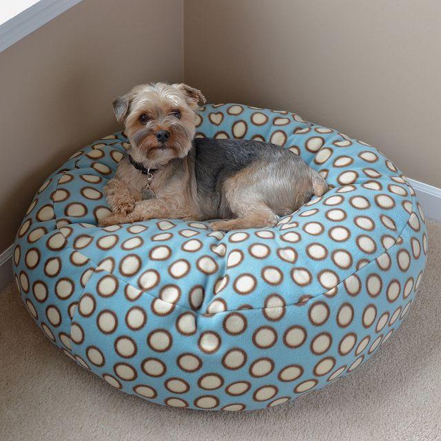 fleece dog bed tutorial.