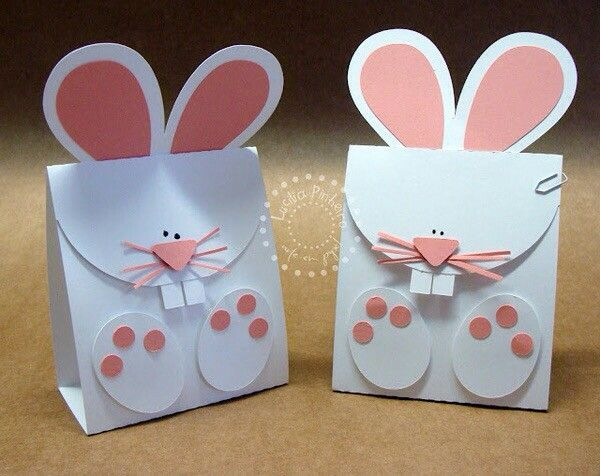 Caja de conejo manualidades pinterest easter box templates these easter bunny treat bags are so cute they would be so easy to make with an electronic cutter like a cricut or silhouette negle Images