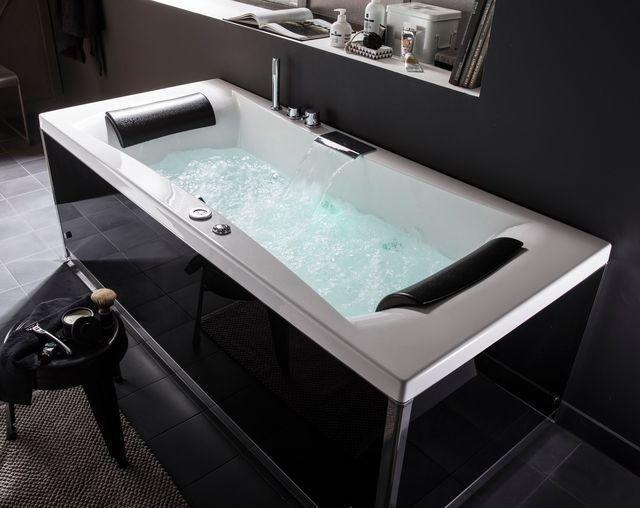 Baignoire des baignoires baln o sp cial d tente espace for Baignoire contemporaine