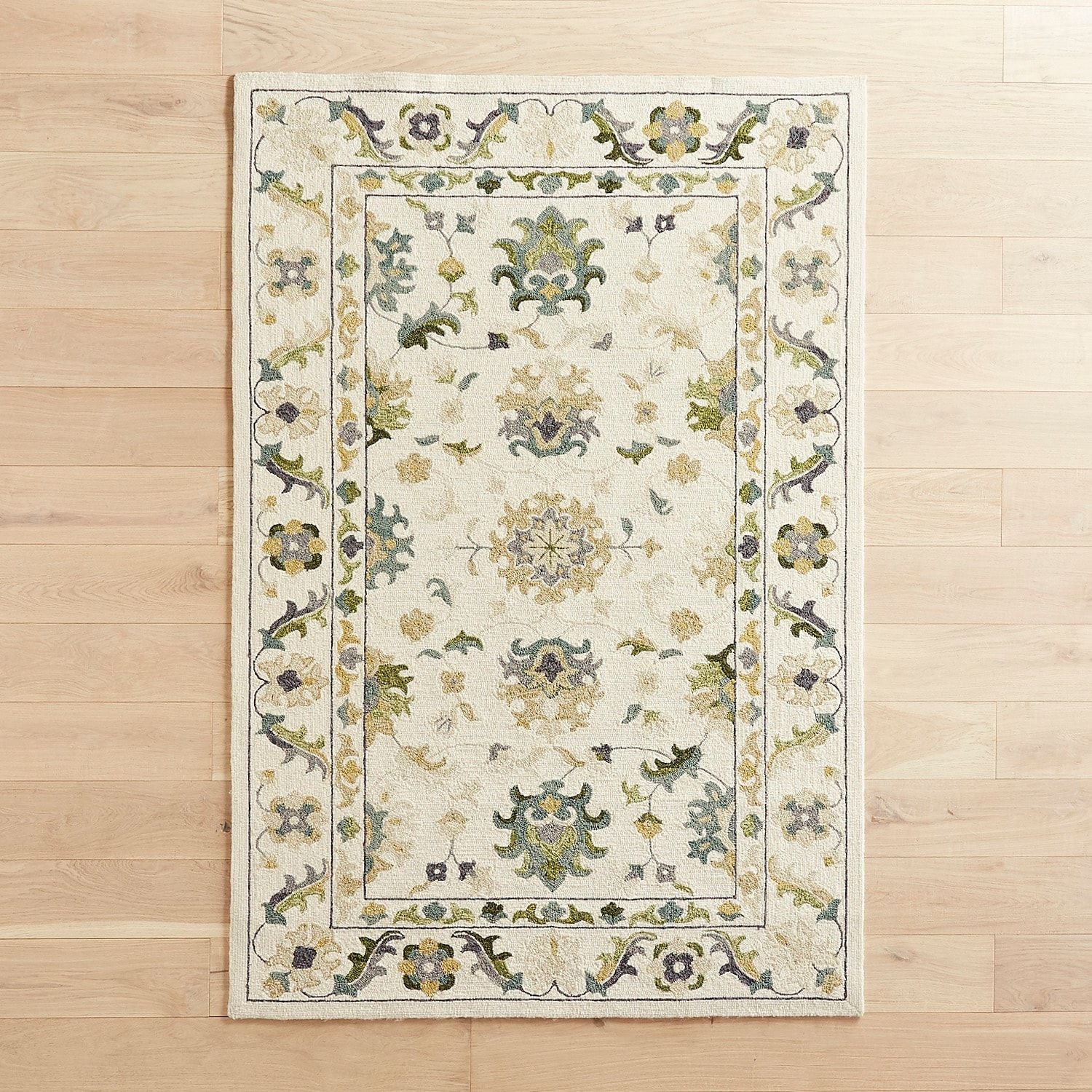 Traditional Green 5x7 6 Rug