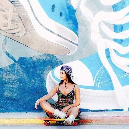 Look super despojado da @flaapavanelli ✨ #look #moda #tendencia #estilo #dress #cap #flapavanelli #flaviapavanelli #areferencia