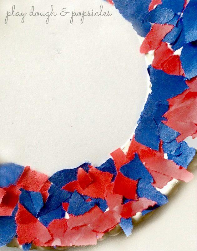 Ripped Paper Star Wreath #labordaycraftsforkids